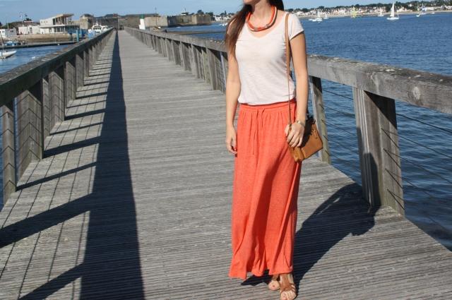 blog mode bleupaillette surfeuse look corail jupe longue